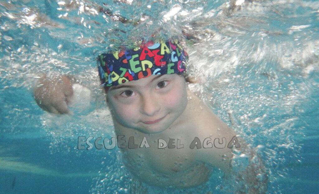La actividad no decae en la Escuela del Agua, reserva tu plaza para los cursos intensivos de natación