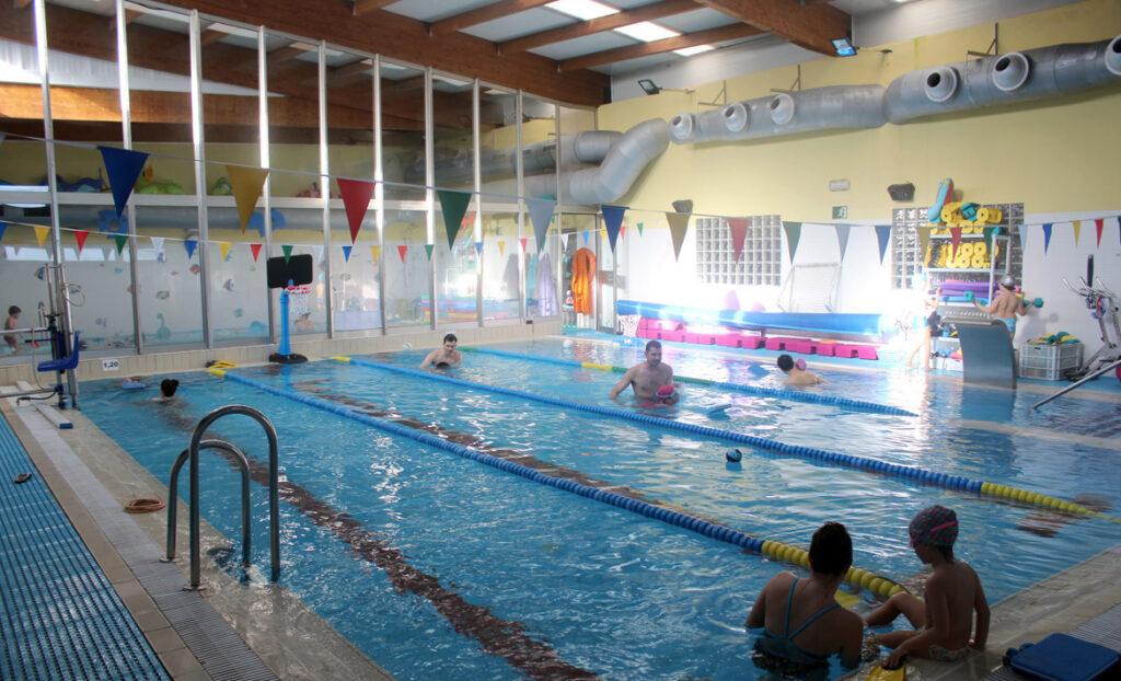 La OMS y Estados Unidos aseguran que las piscinas con cloro «no son un medio propicio para la transmisión del coronavirus»