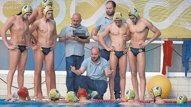 La Escuela del Agua lanza un mensaje de apoyo al Club Waterpolo Sevilla