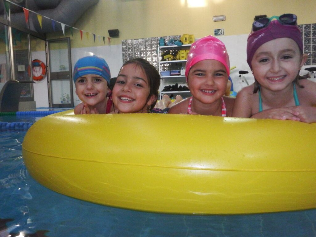 La Escuela del Agua te aconseja que disfrutes en la calle con tus hijos de manera responsable