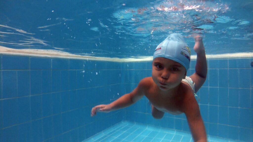 Un nuevo estudio científico avala los beneficios de la actividad física acuática sobre el neurodesarrrollo de los bebés